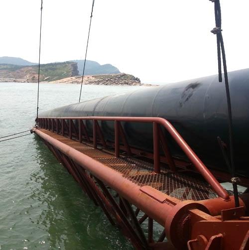 海底深埋排污管项目